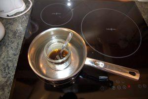 005-olie-mengen-met-coco